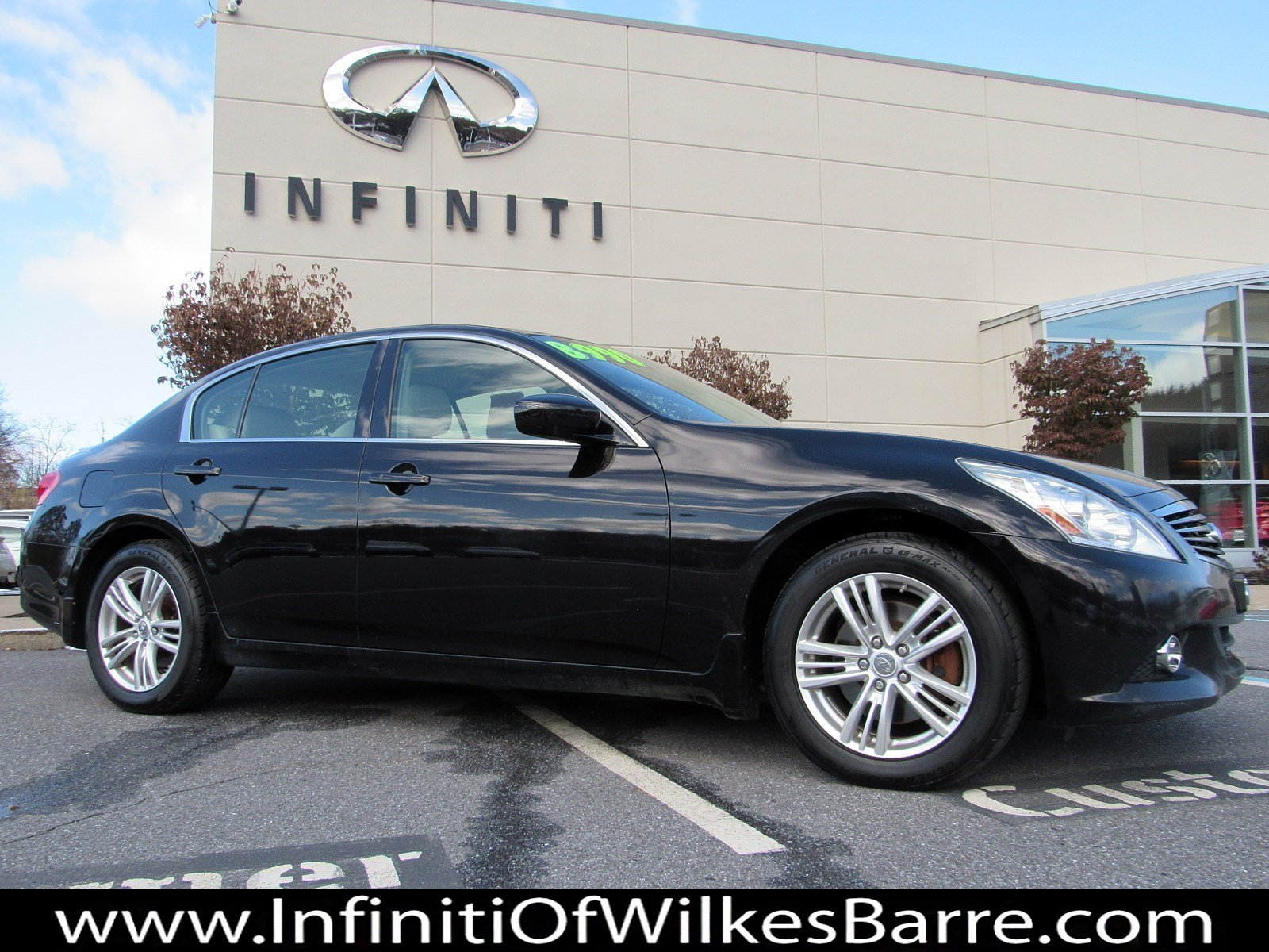 Pre-Owned 2012 INFINITI G37 Sedan x